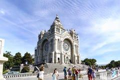Viana делает Castelo, Португалию 15-ое августа 2017: Общий вид святилища Санты Lucia и внешнего двора С каменными лестницами и стоковая фотография rf