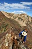 Viandante in montagne Immagini Stock Libere da Diritti
