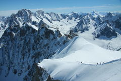 Viandanti in alpi francesi Fotografia Stock Libera da Diritti