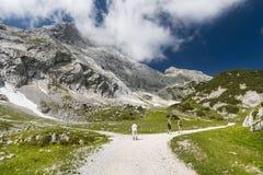 Viandanti in alpi tedesche, editoriali Fotografia Stock