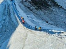 Viandanti sul ghiacciaio ad Aiguille du Midi, Chamonix-Mont-Blanc, Francia Immagine Stock Libera da Diritti