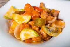 Viande asiatique avec les fruits doux Images libres de droits