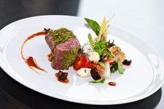 Viande avec des légumes. Image stock