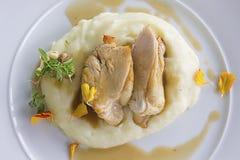 Viande avec la purée de pommes de terre Photographie stock