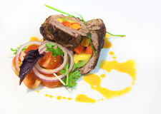 Viande bourrée des légumes de plaque photographie stock libre de droits