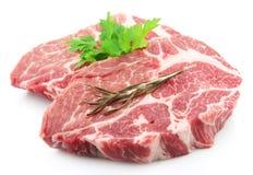 Viande brute avec l'épice images stock
