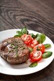 Viande chaude grillée de bifteck de plat Photos stock