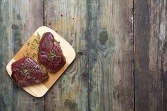 Viande crue crue de bifteck de boeuf Image libre de droits