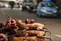 Viande de chien de vente et de achat au Vietnam Images libres de droits