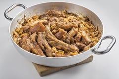 Viande de porc de cassola de Cassoeula dans un pot Image libre de droits