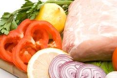 Viande fraîche avec des légumes Photographie stock