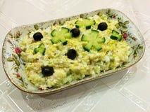 Viande, fromage et salade de haricots Images libres de droits