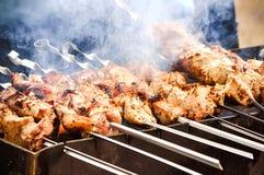 Viande grillée sur le charbon de bois Photographie stock