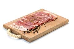 Viande sur la plate-forme en bois image stock
