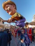 VIAREGGIO, ITALIA - 23 DE FEBRERO:   máscara alegórica de mini primero Foto de archivo libre de regalías