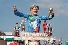 VIAREGGIO, ITALIEN - 20. FEBRUAR:   allegorisches Floss zu Ehren Stockfoto
