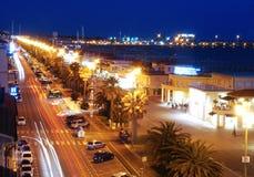Viareggio kust vid natt i trafik Arkivbild