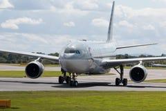 Vias aéreas A330 de Qatar Imagens de Stock