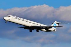 Vias aéreas McDonnell Douglas MD-83 do bravo imagem de stock
