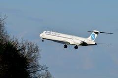 Vias aéreas McDonnell Douglas MD-83 do bravo imagens de stock royalty free