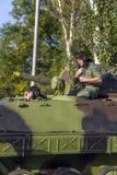 Viatura de combate da infantaria das forças armadas sérvios Foto de Stock Royalty Free