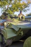 Viatura de combate da infantaria das forças armadas sérvios Fotos de Stock