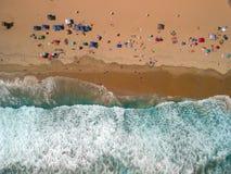 Vibrações do verão pelo oceano foto de stock