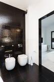 Vibrant cottage - Bathroom interior Stock Photography