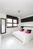 Vibrant cottage - Bedroom Royalty Free Stock Photo