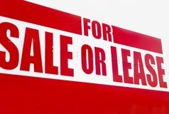 Vibrante per il segno del contratto d'affitto o di vendita - primo piano Fotografie Stock Libere da Diritti