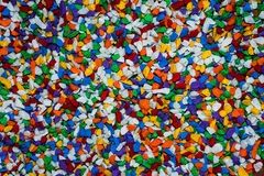 Vibrantly τα ζωηρόχρωμα χαλίκια που διαδίδονται είναι όμορφο υπόβαθρο Στοκ Φωτογραφίες