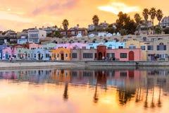 Vibration de coucher du soleil de village de Capitola Images stock