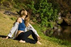 Vibrazione dei capelli della ragazza di yoga Fotografie Stock