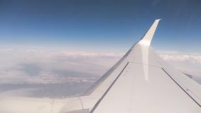 Vibrazione dell'ala dell'aeroplano in volo archivi video