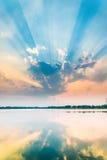 vibrerande röd solnedgång för färgliggande Royaltyfri Foto