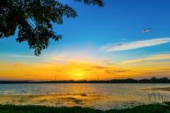 vibrerande röd solnedgång för färgliggande Royaltyfria Foton