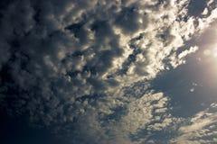 vibrerande sky Arkivfoton