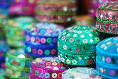 Vibrierende Farbe des Schmuckkastens im Markt lizenzfreies stockbild