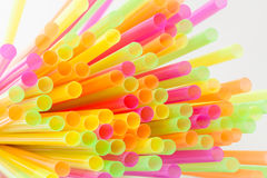 Vibrierende Farbtrinkhalm-Plastikart Lizenzfreies Stockbild