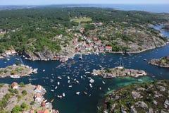 Vibrierende norwegische Landschaft stockfotografie