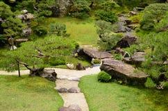 Vibrierender Garten lizenzfreie stockfotografie
