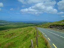 Vibrierender irischer szenischer Küstenmeerblick Lizenzfreies Stockbild