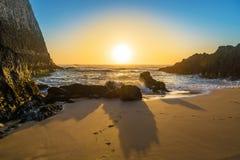 Vibrierender Sonnenuntergang auf Adeje-Küste von Teneriffa, Spanien Lizenzfreies Stockbild