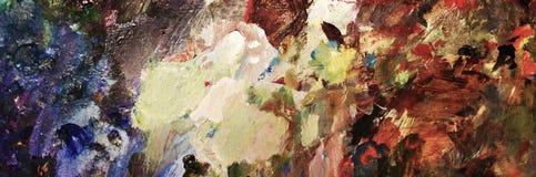 Vibrierendes Öl oder Acrylfarbe auf benutzter Künstler ` s Palette für das Zeichnen und das Malen Lizenzfreie Stockfotos