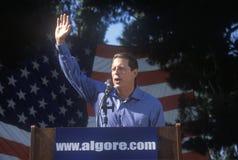 Vice-président Al Gore fait campagne pour la candidature présidentielle démocrate au parc de Lakewood dans Sunnyvale, la Californ Photo libre de droits