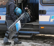 Vicence, VI, Italie - 28 janvier 2017 : La police italienne s'ameute le peloton Photos stock