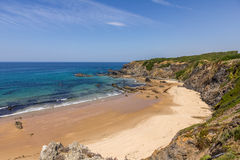 vicentina路线阿连特茹葡萄牙2的海滩段落 图库摄影