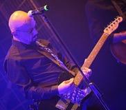 Vicenza, VI, Itália - 5 de maio de 2018: Live Concert interno de Enrico fotografia de stock