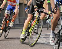 Vicenza, Vi, Italië - April 12, 2015: fietsers bij het rennen van fietsen Royalty-vrije Stock Fotografie