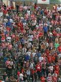 VICENZA, VI, ITALIEN - 6. April Fans während eines Fußballspiels in lizenzfreie stockfotos